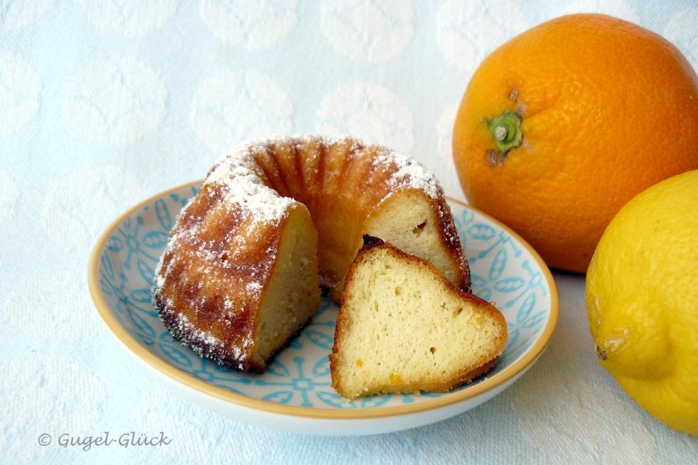 Italienische Torta della Nonna-Gugelhupfe mit Ricotta, Zitrone und Orange