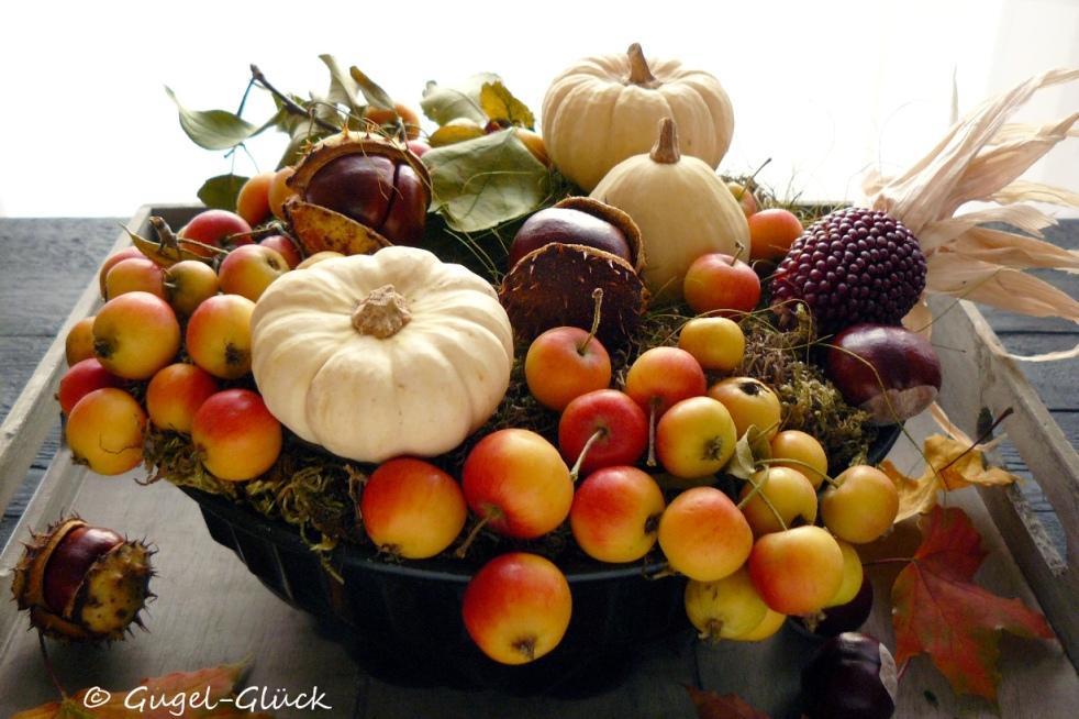 DIY: Herbstgesteck im Gugelhupf