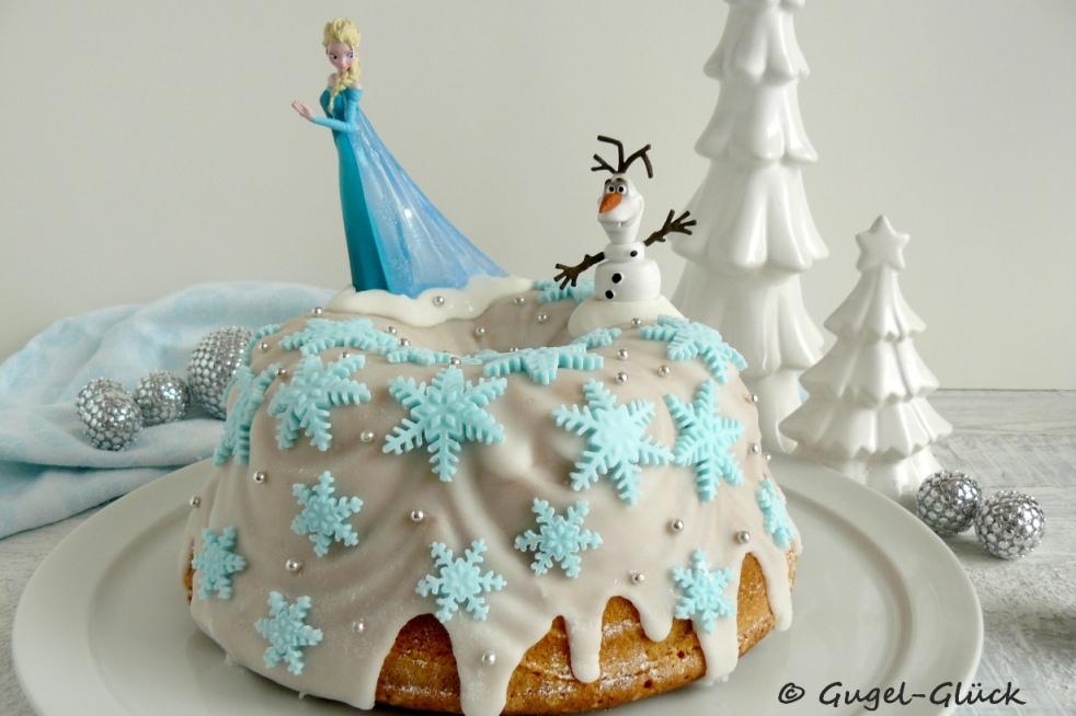 Saftiger Zitronen-Gugelhupf im Frozen-Look aus Fondant mit Elsa und Olaf zum Geburtstag