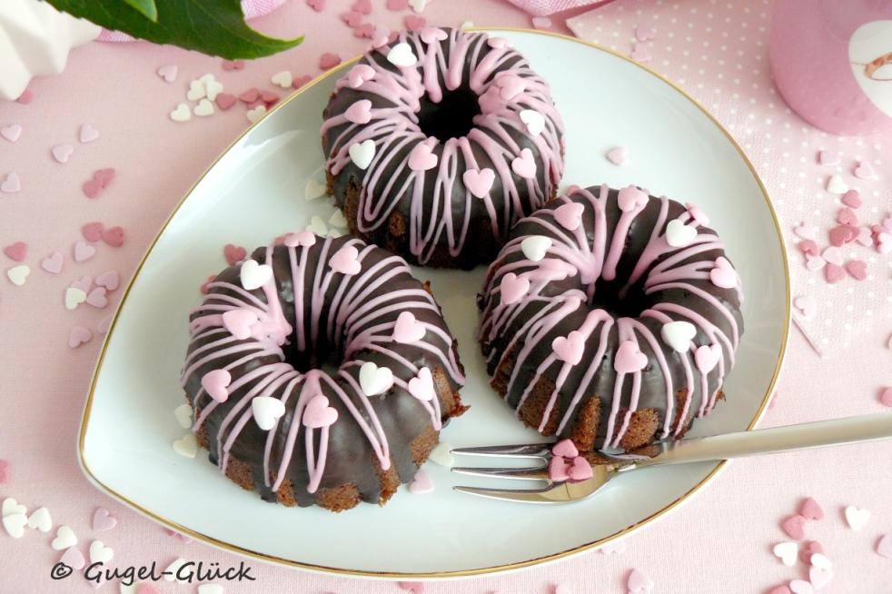 saftige Schokoladen-Frischkäse-Gugelhupf Gugel Gugl