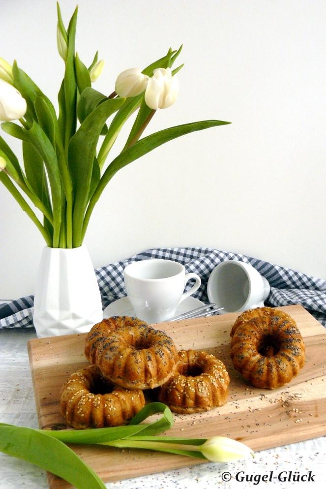 Dinkelvollkorn-Broetchen im Gugelhupf 03 s