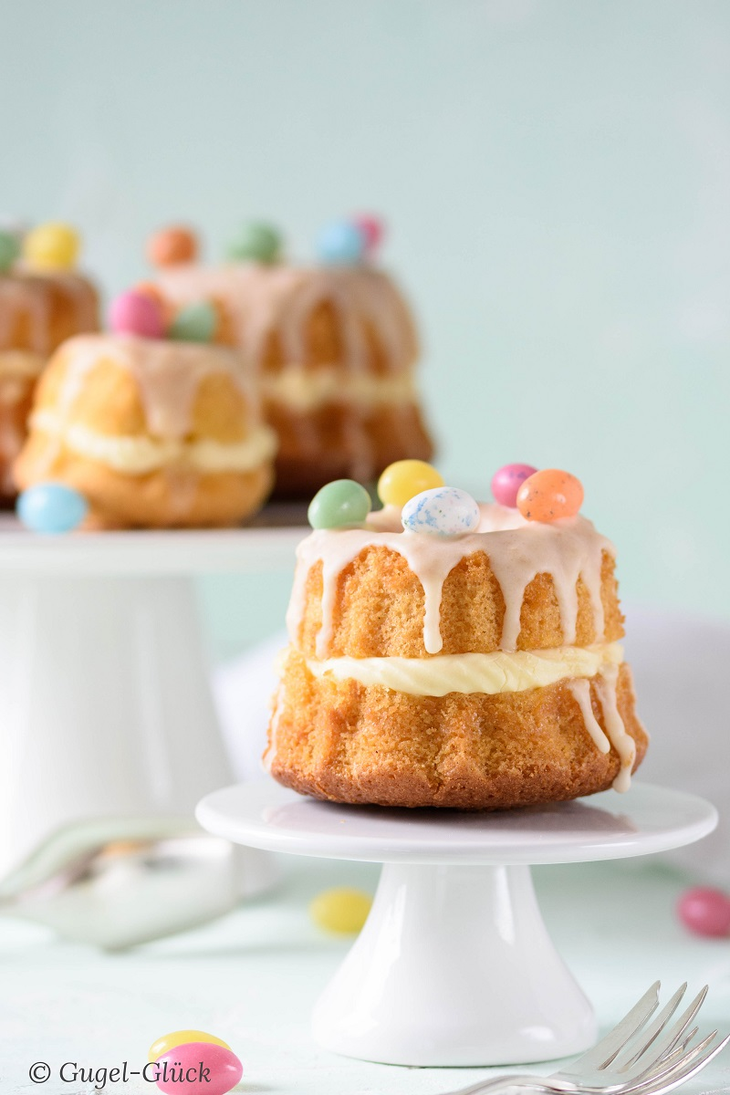 Eierlikör-Kuchen mit Eierlikör-Cremefüllung und Eierlikör-Guss