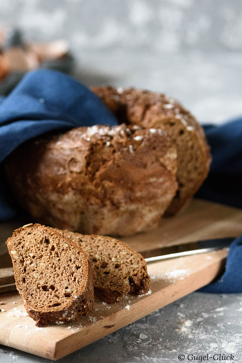 Low Carb: Herzhaftes Protein-Brot. Rezept auf: https://gugelglueck.com/