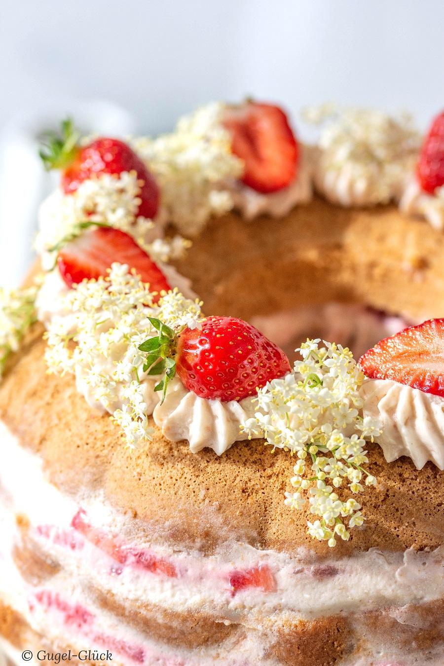Erdbeer Rhabarber Torte 02 Ss