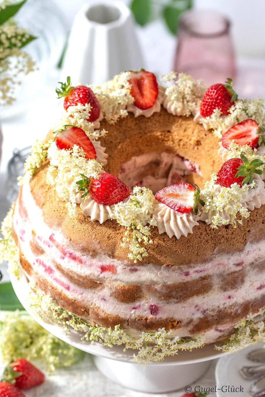 Erdbeer Rhabarber Torte 03 Ss